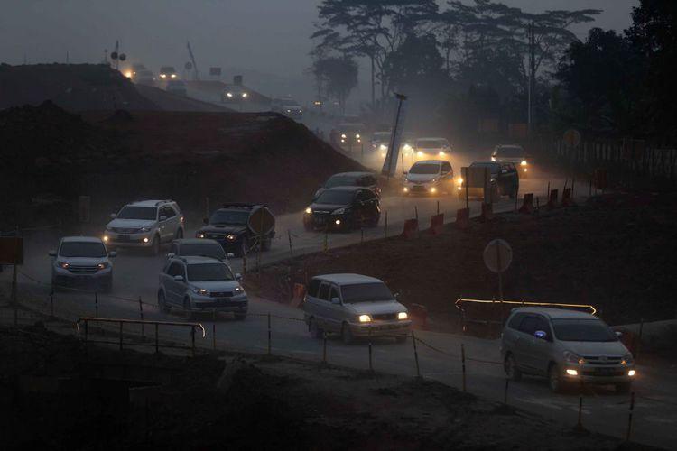 Beberapa Kendaraan Mengalami Pecah Ban di Tol Darurat Pantura