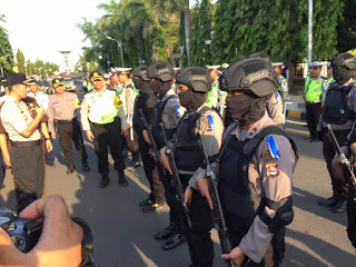 Polri Dibantu TNI dan Anggota Pramauka Dalam Pengamanan Arus Mudik