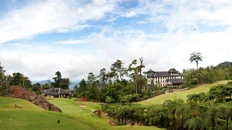 Patok Negara Perbatasan Indonesia Ada di Lapangan Golf Malaysia