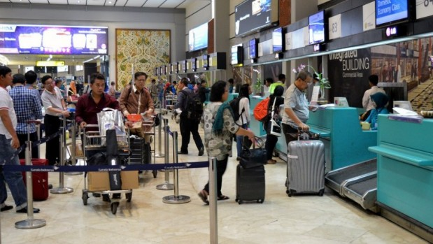 Pemukulan Petugas Avsec Bandara Sukarno Hatta Oleh Oknum Anggota TNI