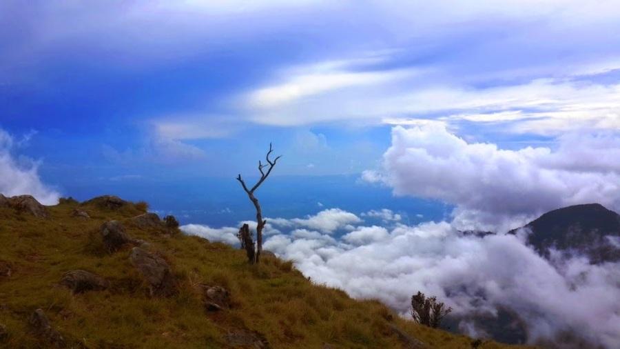 Mitos Dibalik Keindahan Gunung Bawakaraeng, Primadona Sulawesi Selatan